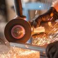 Jak system ERP dla produkcji wspiera firmy z branży metalowej?
